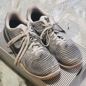 Kobe mentality basketball shoes